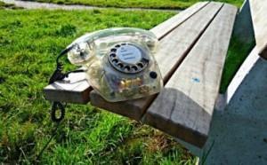 attivare-contratto-telefono-reato-370x230